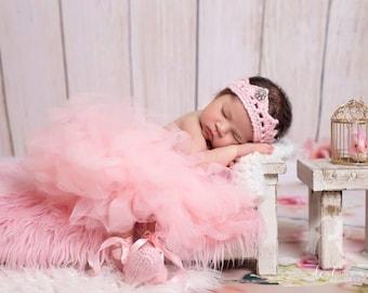 Newborn Ballet Slippers and Crown Set/ Pink Crown/ Newborn Photo Prop/ Crochet Newborn Slippers/ Ballerina Prop/Baby Crown