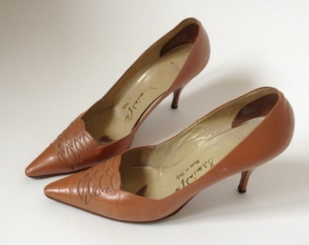 1950s Italian VTG toffee cut out leather leather stiletto pumps kitten heels 6,5 US