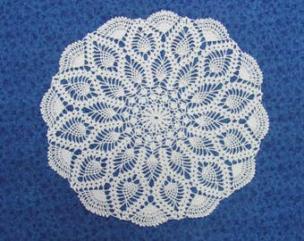 Vintage 13 Inch Hand Crochet White Cotton Hand Crafted Doily Pineapple Pattern