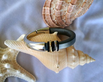 Metallic Gray Cuff Leather Bracelet
