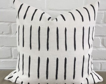 "Pillow Cover - Black Lines / 20""x20"""
