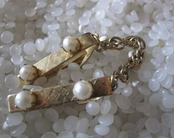 vintage sweater guard, pearls