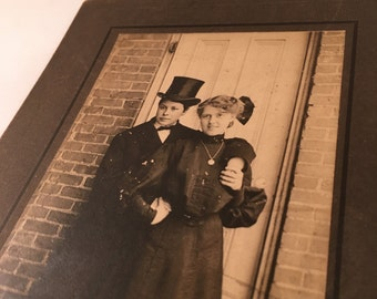 Antique Photo - Young Couple