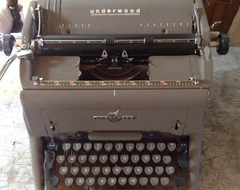 Vintage Underwood USA Typewriter