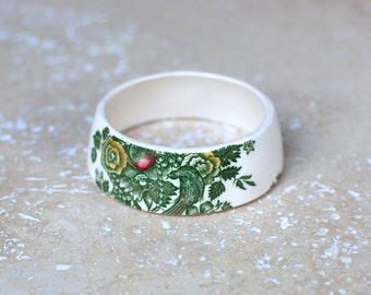 StayGoldMaryRose - Elegant victorian green floral bouquet pattern teacup bracelet.