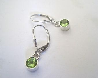 Peridot earrings, single stone peridot earrings, August birthstone earrings, modern peridot earrings, peridot and silver earrings, earrings