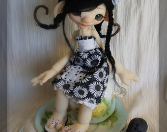 Lil' Miss Muffet and Her Spider, Tuffet - Fern fair resin - full set - BJD ball joint doll - In Stock