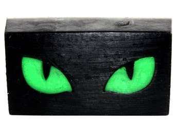 Cat Eye or Dragon Eye soaps - party favor, halloween, how to train your dragon, black cat, glowing eyes, soap bar, cheshire cat, eyes only