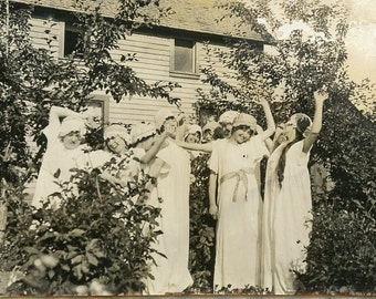 Girlfriends In Their NIGHTGOWNS STRETCHING In The MORNING Sun Photo Circa 1915
