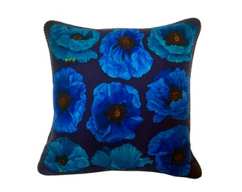 "Gucci ""Blue Poppies"" Pillow - Navy/Blue"