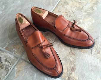 Allen Edmonds Shoes - Mens Size 9.5 - Width D - Tassle Loafer - Style Pembrooke - color Bourbon - Excellent Condition - Classic and Timeless