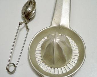 Foley juicer and tea insuser - Lot of 2 vintage kitchen utensils - cheesegrits