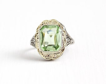 Vintage 14k White & Yellow Gold Filigree Simulated Peridot Ring - Antique Size 7 1/2 Art Deco 1920s Light Green Glass Stone Fine Jewelry