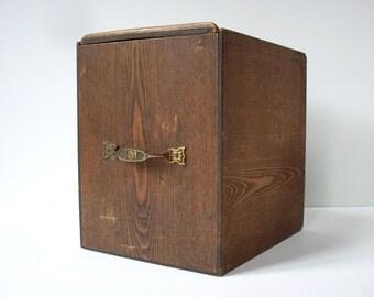 Vintage Wood Box with Sliding Top and Handle / Old Wood Box / Storage Organization / Vintage Plywood Box / Dark Wood Box / Rustic Distressed