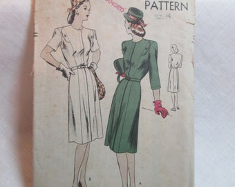 "Antique 1940's Vogue Dress Pattern #5436 - size 32"" Bust"