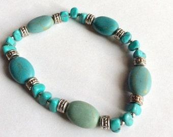 Sale 20 Vintage turquoise chips stretch bracelet.