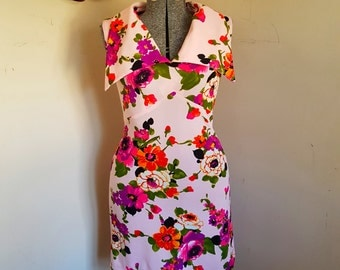 Vintage Floral Mod Pointed Collar Sleeveless Dress