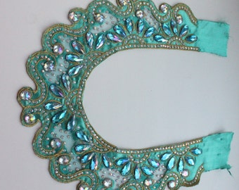 Turquoise aplique necklace for dress