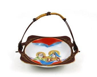 Moriage Satsuma Porcelain Takito dish with wicker handle and samurai & goddess motif