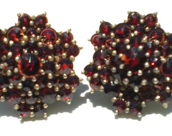 Red Garnet Screw Earrings on Gold Washed 830 Silver - Signed Vintage Jewelry