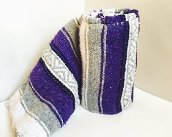 ON SALE Vintage Mexican Blanket, Serape, Purple, White, Gray , Boho, Home Decor, Bedding, Throw Blanket, Yoga Mat