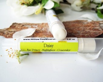 Daisy - Natural White Eye Shadow Primer/ Highlighter /Concealer -Twist Tube