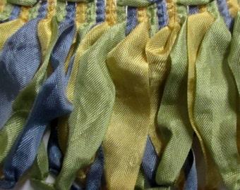 Amazing ribbon Fringe multi in blue yellow green