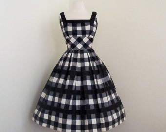 Checkmate... vintage 1950's Alix of Miami black and white pin up dress