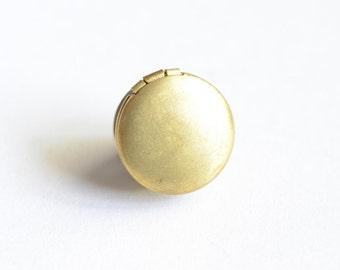Smooth Brass Round Locket Lapel Pin