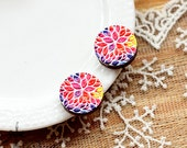 20% off - NEW Unique 3D Embossed flower 16mm Round Handmade Wood Cut Cabochon  -(WG-357)