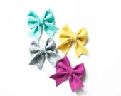 PICK YOUR COLORS || Felt Bow with Tails, Small or Large