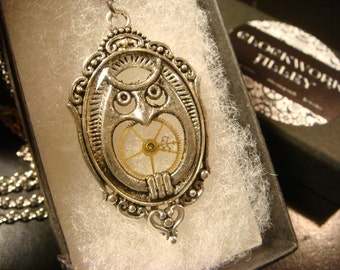 Victorian Style Owl Steampunk Pendant Necklace (2112)
