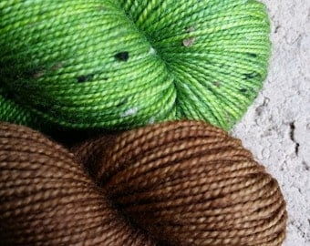 Tweedy Sock Kit Granny Smith Apple N Brown