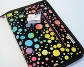 Standard case in Sassy Dots, for circs, tips and short dpns