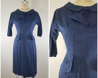 Vintage 1960s Dress / Navy Blue Wiggle Dress / Silk Linen / Small