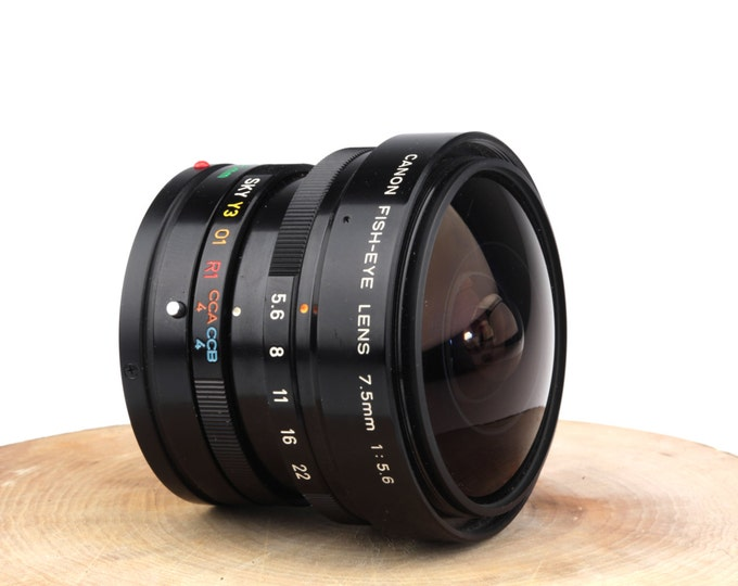 Canon Fish-Eye FD 7.5mm 1:5.6 Manual Focus Super Wide Angle Lens
