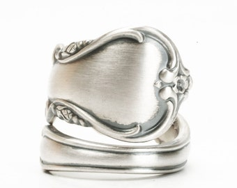 Silver Minimalist Ring, Sterling Silver Spoon Ring, Floral Minimalist Ring, International Silver Co Angelique, Adjustable Ring Size (5982)
