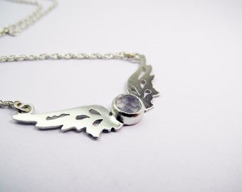 Small Hermes Wings pendant with blue/grey chalcedony