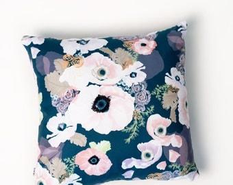 "UNE FEMME 18 x 18"" pillow"