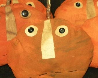 Small Grungy Primitive Pumpkin #186