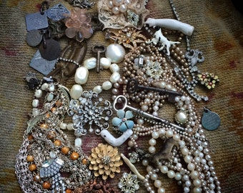 A Load Of Vintage Junk Gems For You To Get Busy With