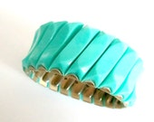 1960s Mod Turquoise Expansion Bracelet // Plastic Lucite Stretch Minimalist Jewelry
