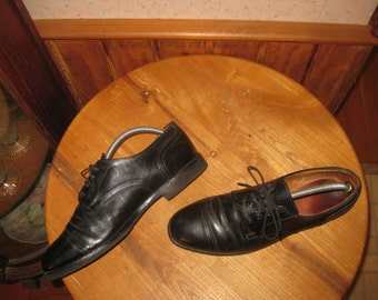Allen Edmonds   Leather on Rubber    Cap Toe   Oxfords    Made In USA     Mens  10  D