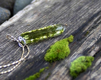 Crystal Moss Pendant- Real Moss Jewelry - Resin Jewelry - Necklace Charm - Necklace Pendant - Resin Pendant - Green Pendant - Resin Jewelry