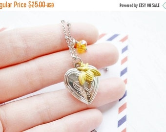 Bee Locket Necklace, Silver Locket, Bumble Bee Insect Locket Jewelry, Heart Locket, Heart Jewelry, Love Gift, Romance, Whimsical, Christmas