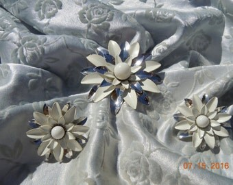 Vintage Dazzling Signed Sarah Coventry Brooch & Matching Earrings