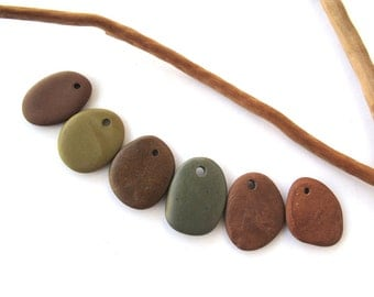 Rock Pendants Natural Stone Beads Mediterranean DIY Jewelry Beach Stone Beads Drilled River Stones Pebble Pendants SPRING MIX 22 mm