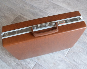 Very Cool Vintage Samsonite Briefcase- Check out all of our Vintage Cases