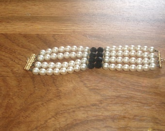 vintage bracelet 4 strand faux pearls black glass