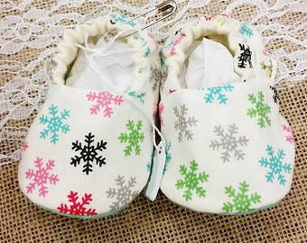 Snowflake Baby Booties, Holiday Baby Booties, Christmas Booties, 0 - 18 Months